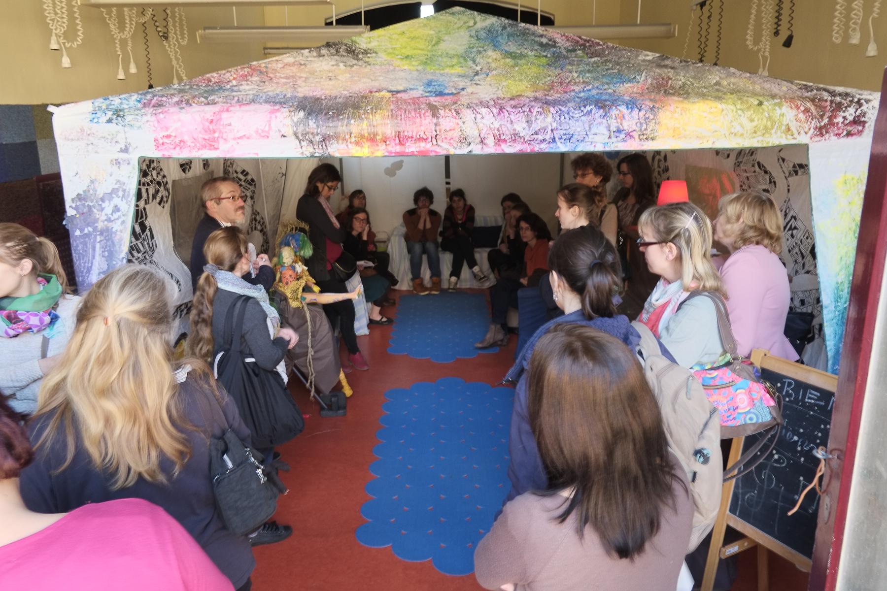 Coin calme et cosy à l'école de la Vallée… Chhhhut – Ecole de La Vallée