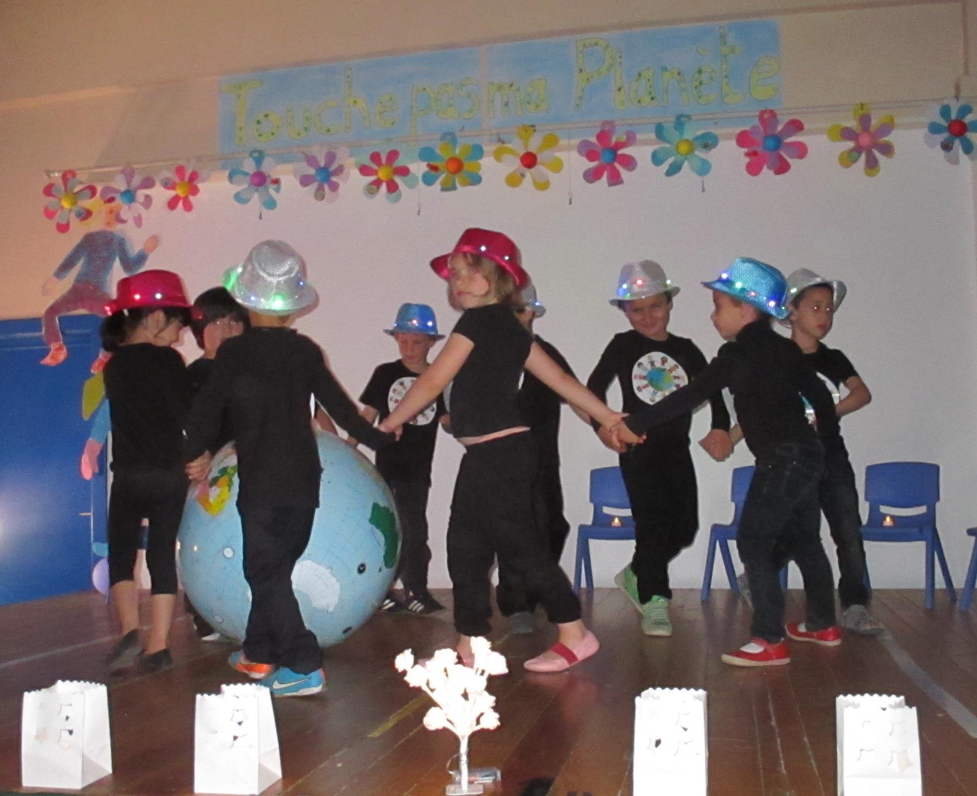 Assez Touche pas ma planète ! – Ecole maternelle Dachsbeck – Bubble.brussels MM72